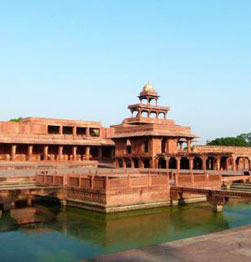 Fatehpur Sikri - An ancient abandoned Mughal city