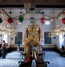 Visit the Paradesi Synagogue Image